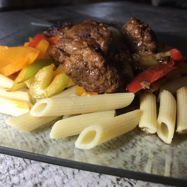 Pennes Boulettes et Légumes Sauce Soya 3