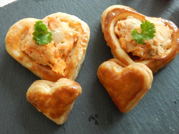 Petits Coeurs en Bouchées à la Reine Saumon-Échalotes