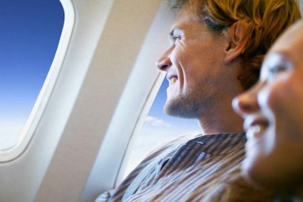Peur en Avion : 3 Stages pour Vaincre sa Phobie