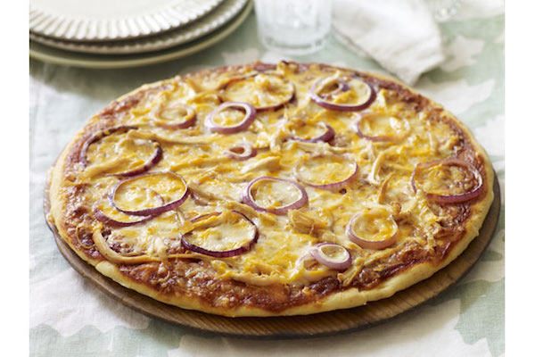 Pizza à la Sauce Barbecue et au Poulet Façon Pizzeria