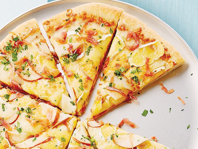 Pizza au Prosciutto, au Brie et aux Poires