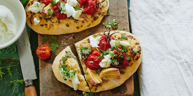 Pizza aux Artichauts Tomates Mozzarella et Cerfeuil