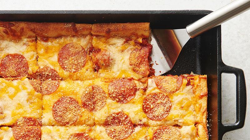 Photo Recette Pizza Épaisse dans un Plat