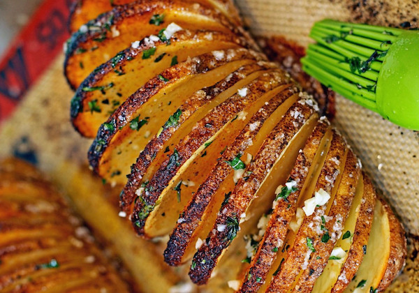 Pommes de terre à la suédoise (Hasselback potatoes)