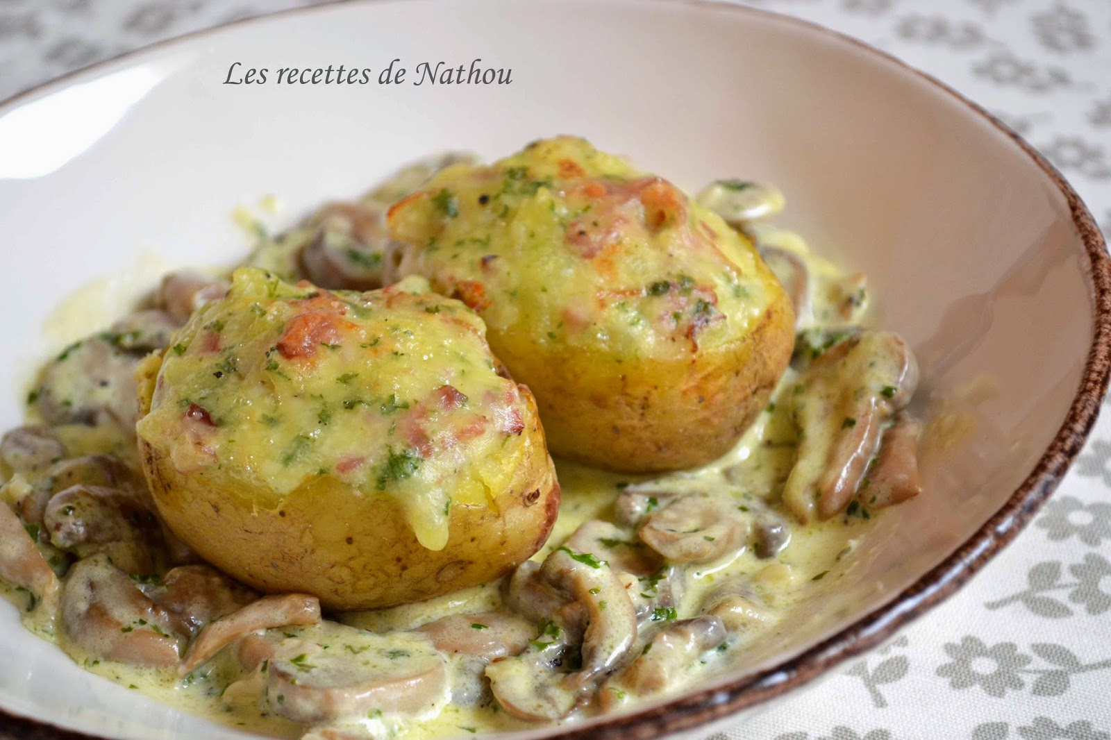 Photo Recette Pommes de Terre Farcies au Lard et Reblochon, Champignons à la Crème
