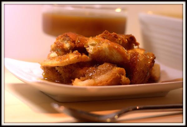Photo Recette Pouding au Pain et aux Pommes Sauce Butterscotch et Rhum