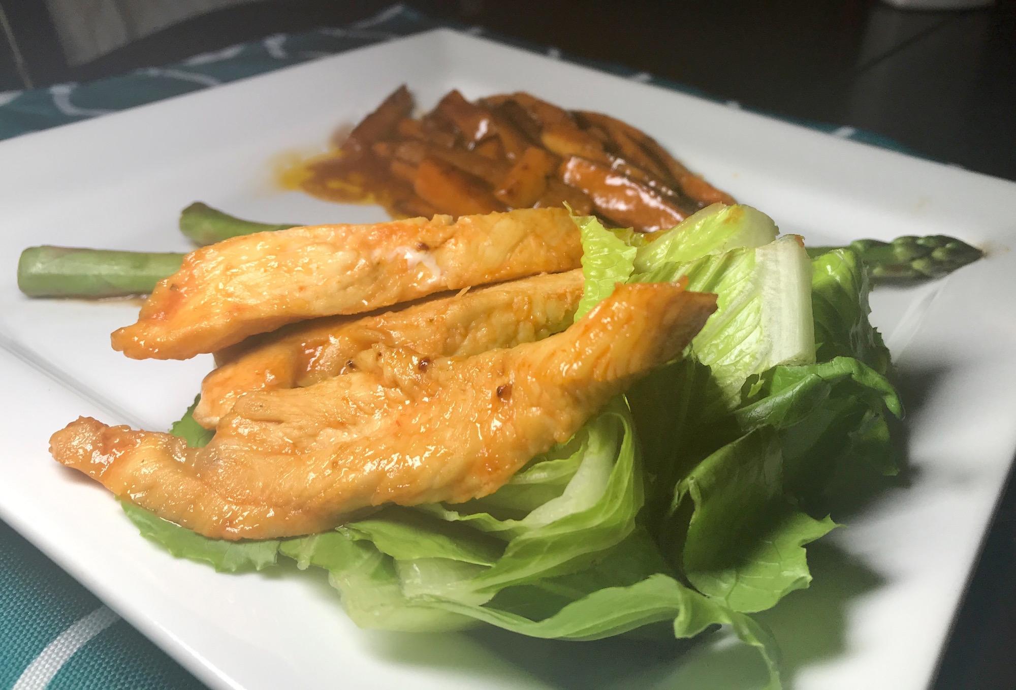 Poulet Mariné et Patates Douces à la Sauce Brune