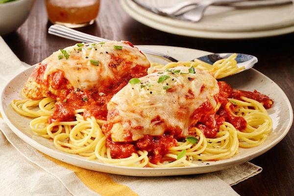 Poulet Parmesan aux Tomates Épicées