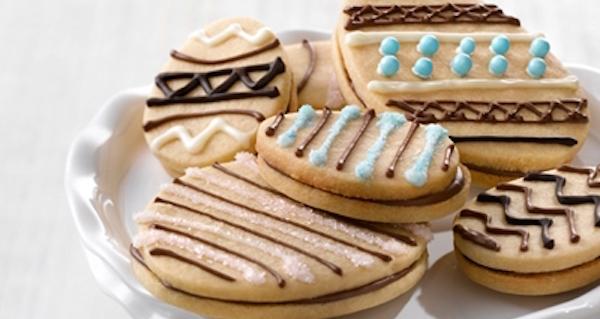 Sandwich Aux Biscuits En Forme D'œuf De Pâques