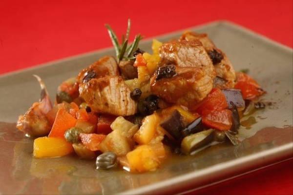 Sauté de Veau Minute, Légumes à la Provençale, Olives et Câpres