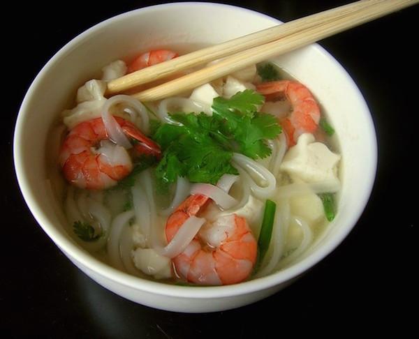 Recette Pho aux Crevettes et au Tofu Express
