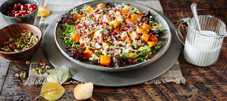 Photo Recette Salade aux Légumes-feuilles aux Lentilles et à la Courge D'hiver Rôtie
