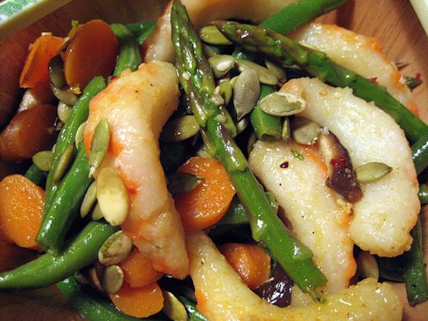 Salade D'asperges Vertes et de Crevettes à la Sauce de Soja