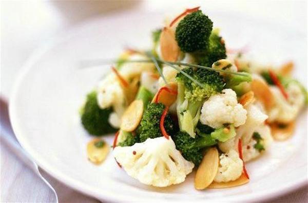 Photo Recette Salade de Brocoli et Chou-Fleur aux Amandes