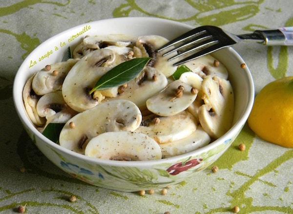 Salade de Champignons Crus à L'huile D'olive et au Citron