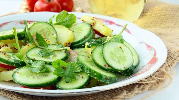 Salade de Concombre et de Pommes au Cari