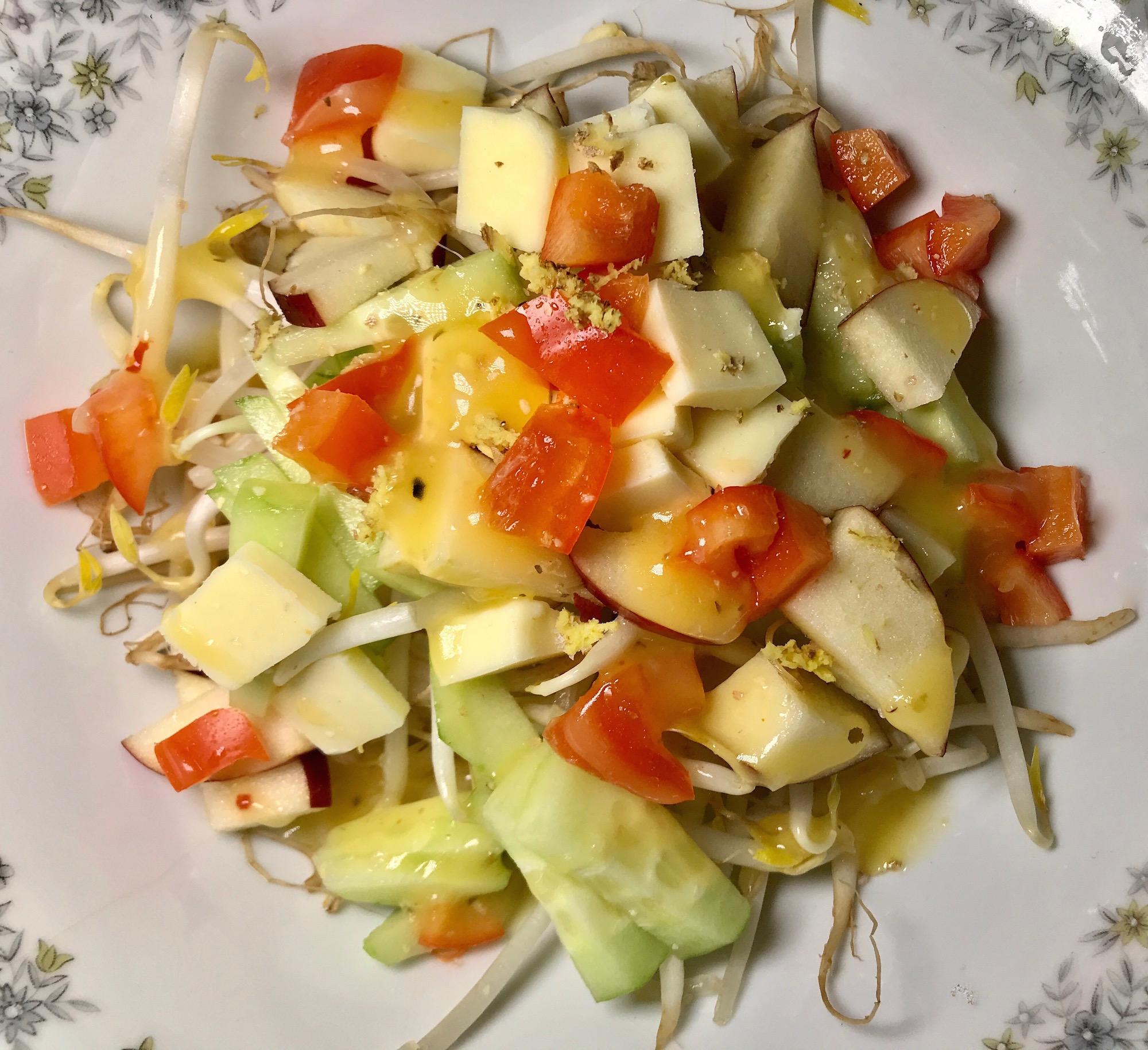Salade de Fèves Germées et Légumes