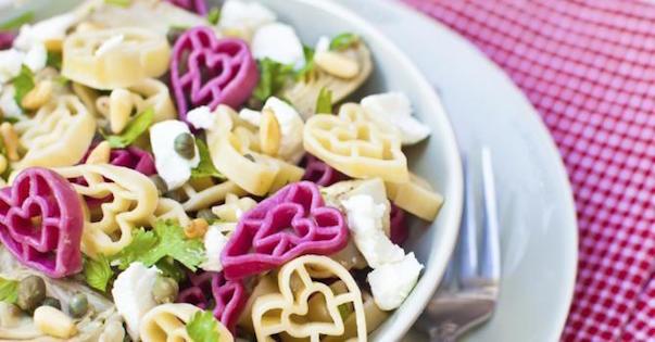 Photo Recette Salade de Pâtes en Forme de Coeur à la Feta et Pignons de Pin