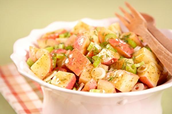 Salade de Pommes de Terre à la Moutarde et à L'aneth