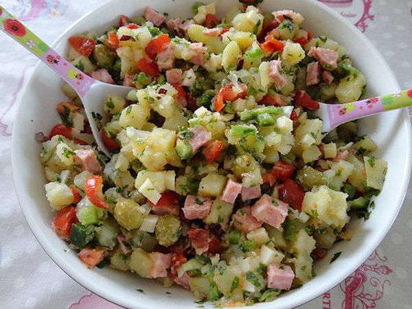 Salade de Pommes de Terre au Saucisson à L'ail