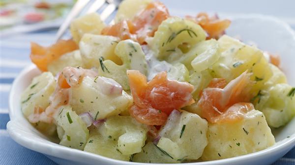 Salade de Pommes de Terre au Saumon Fumé au Céleri et aux Fines Herbes