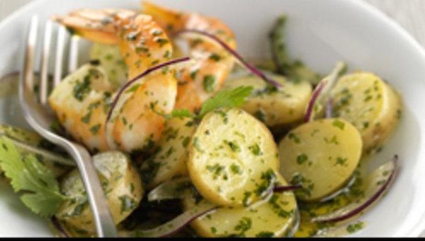 Salade de Ratte aux Gambas à la Coriandre et à L'oignon Rouge