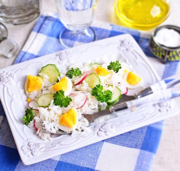 Salade de Riz au Concombre, Radis et Oeufs Durs