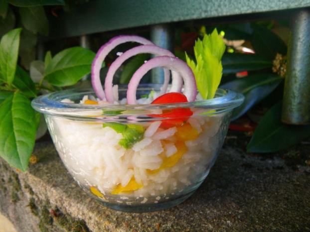 Salade de Riz Colorée et Vinaigrette Citronnée