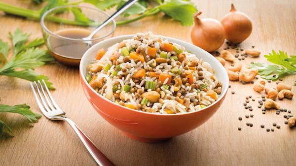 Salade de Riz Lentilles Carottes et Noix de Cajou