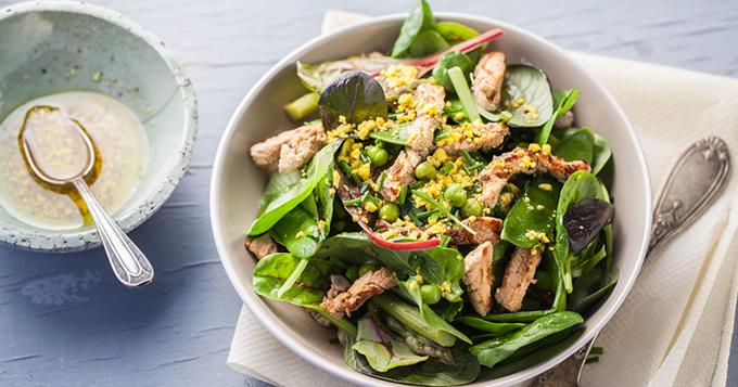 Salade D'émincé de Veau à la Verde et Vinaigrette Mimosa