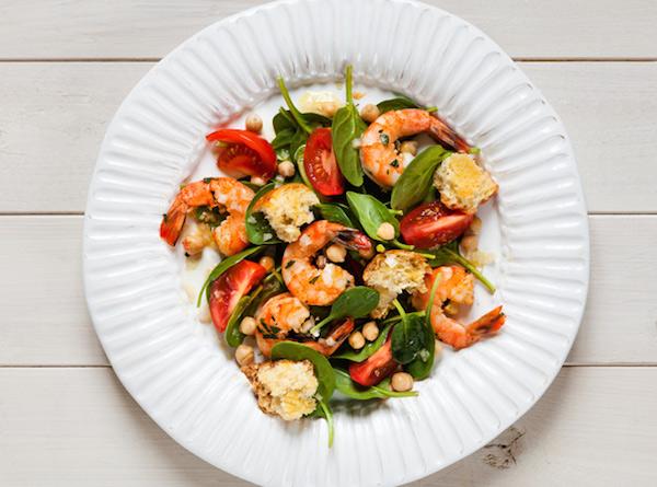 Photo Recette Salade D'épinards aux Crevettes et aux Pois Chiches avec Croûtons