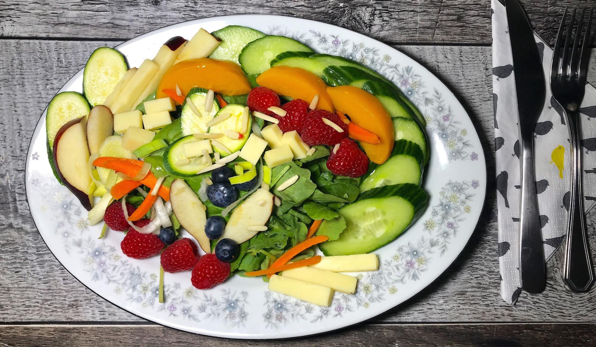 Salade Rafraichissante aux Fruits et Légumes