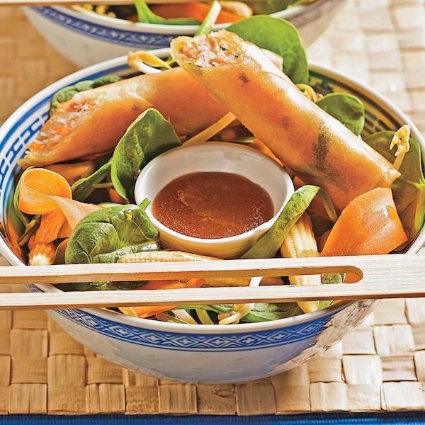 Salade Thaïlandaise et Rouleaux Croustillants