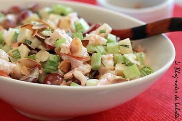Salade Waldorf aux Crevettes Raisins et Amandes