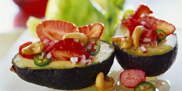 Salades de Fruits à L'avocat