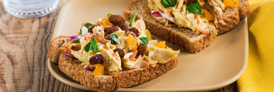 Sandwich à la Salade de Poulet Marocaine