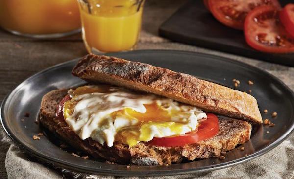 Sandwichs aux œufs au « Lever du Jour »