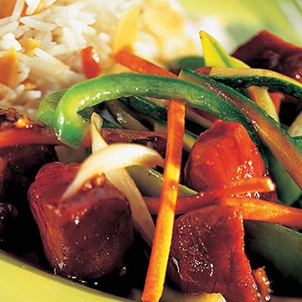 Sauté de Porc aux Cerises et aux Légumes