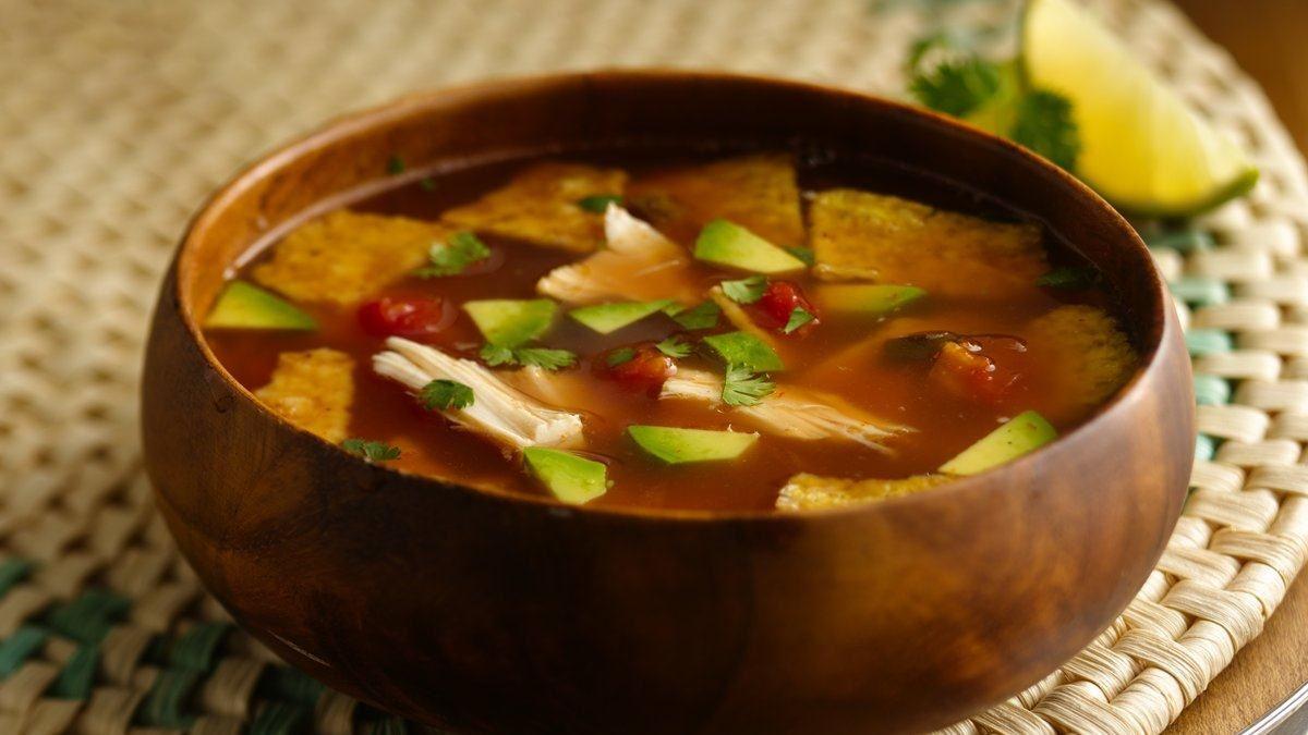 Soupe au Poulet et aux Croustilles au Maïs