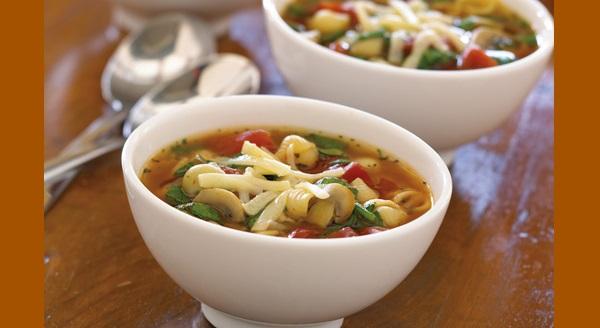 Soupe aux Champignons et aux Tomates avec Pâtes