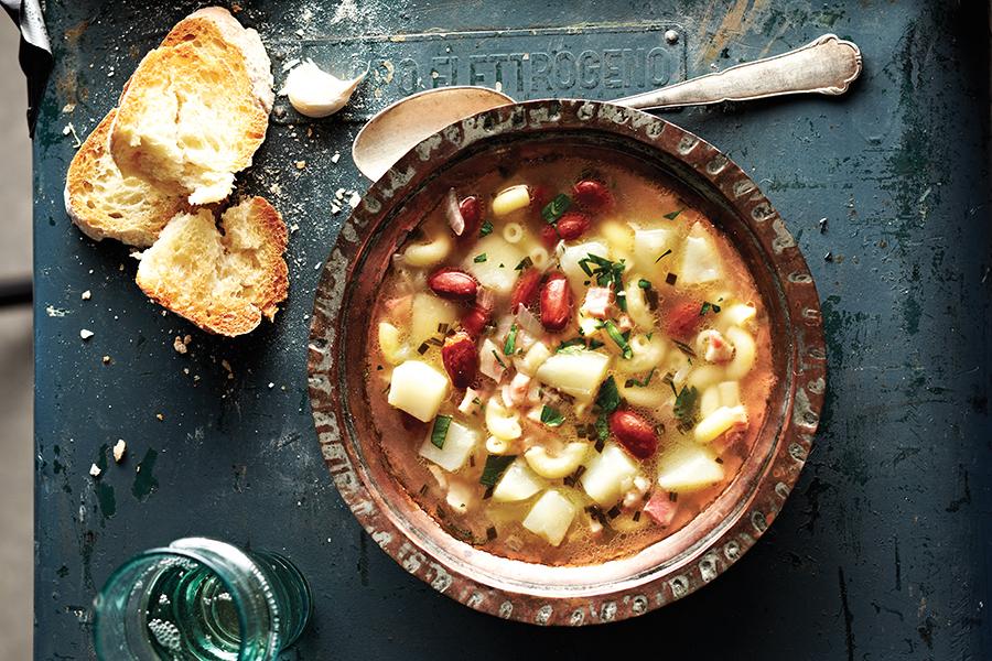 Soupe aux Macaronis et aux Haricots Romains