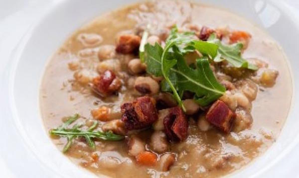 Soupe Copieuse aux Haricots à Oeil Noir et Bacon