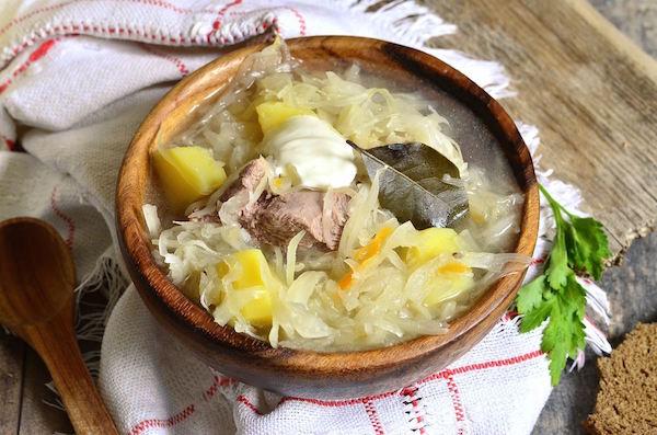 Soupe de Chou au Farci et au Confit de Canard