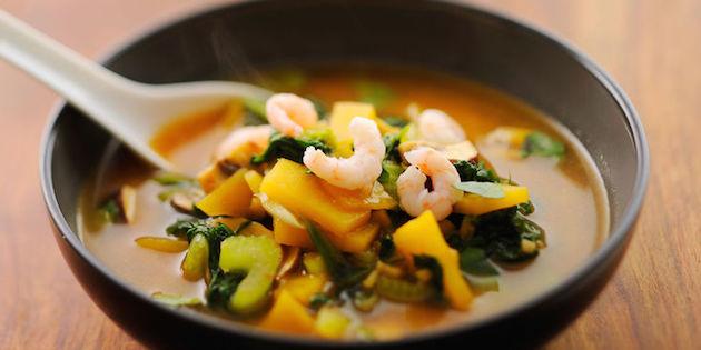 Soupe de Navet, Blette et Crevettes au Curry