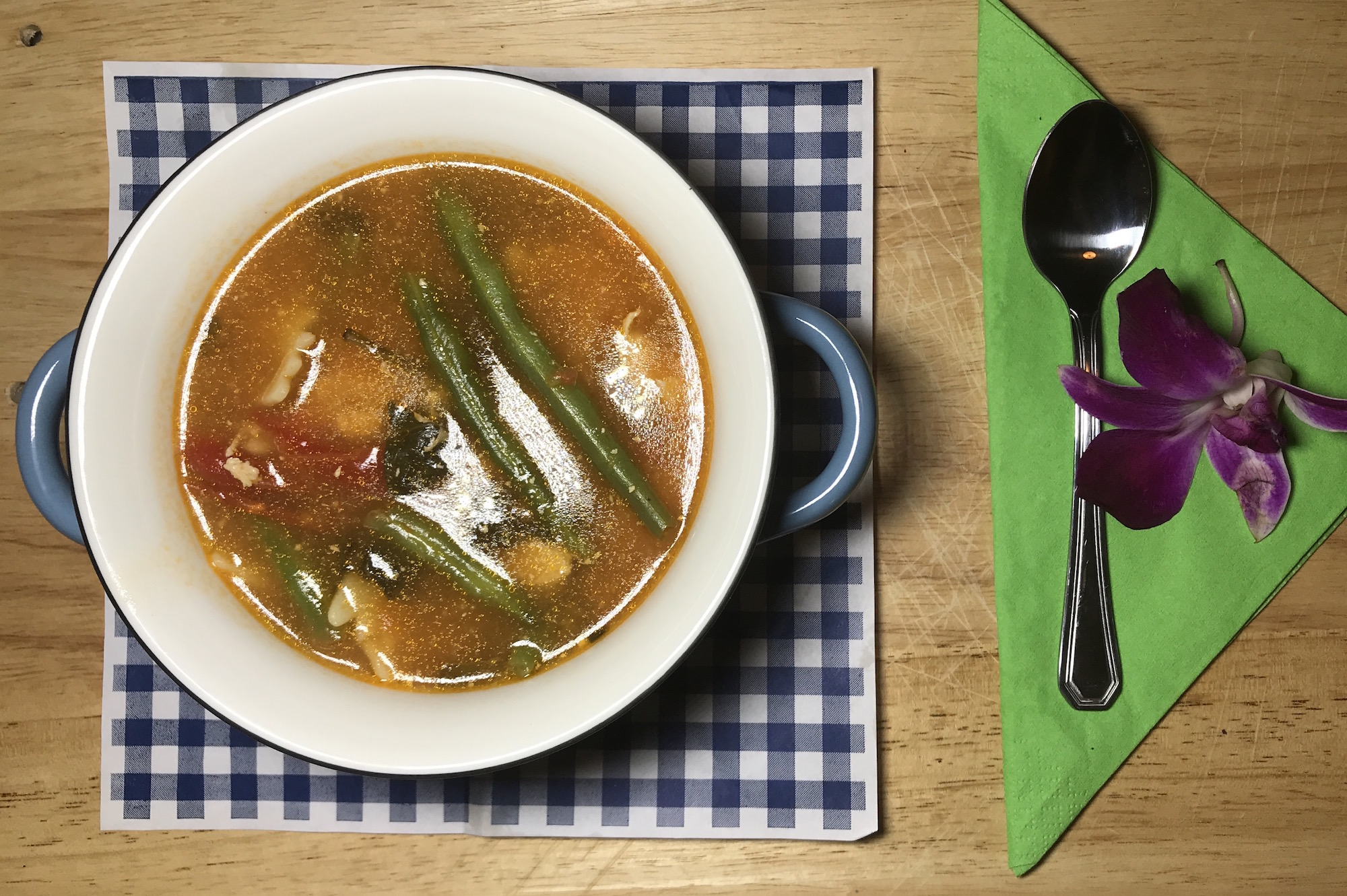 Soupe Poulet Légumes et Jus Tomates