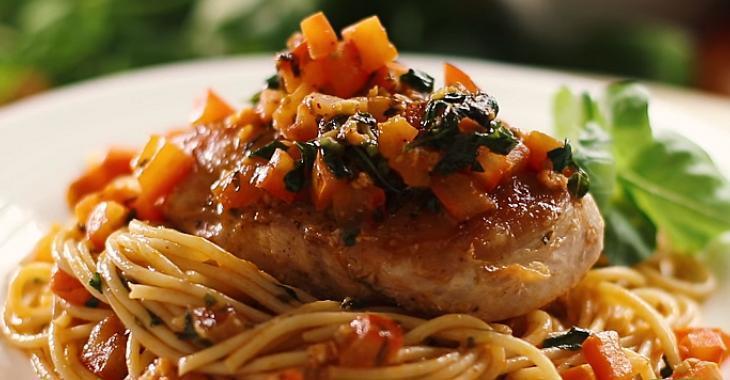 Spaghetti et Poitrines de Poulet à L'ail et au Basilic