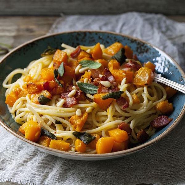 Spaghettis à la Courge Rôtie au Bacon et à la Sauge