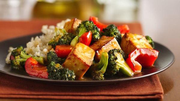 Tofu à L'orange et au Sésame avec Brocoli