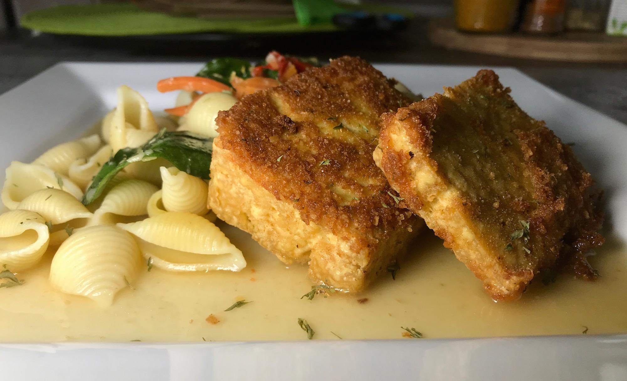 Tofu Frit sur Pâte Alimentaires