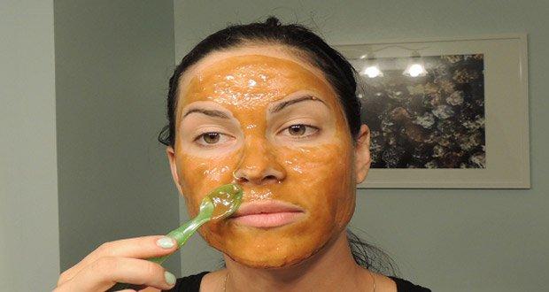 Un Masque pour Atténuer Rides, Taches et Imperfections